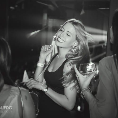 retrato evento de chica bailando