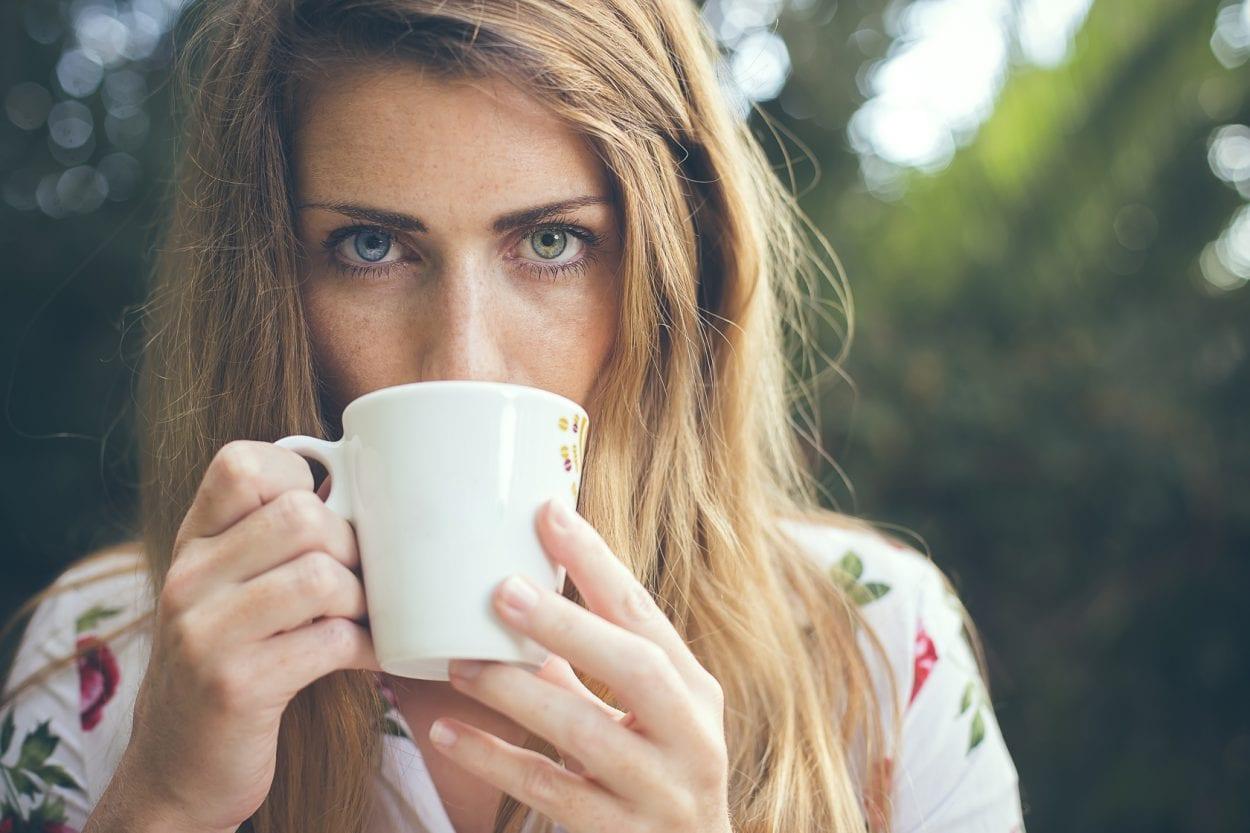 Fotografía de retrato a Lydia BLUE or GREEN?
