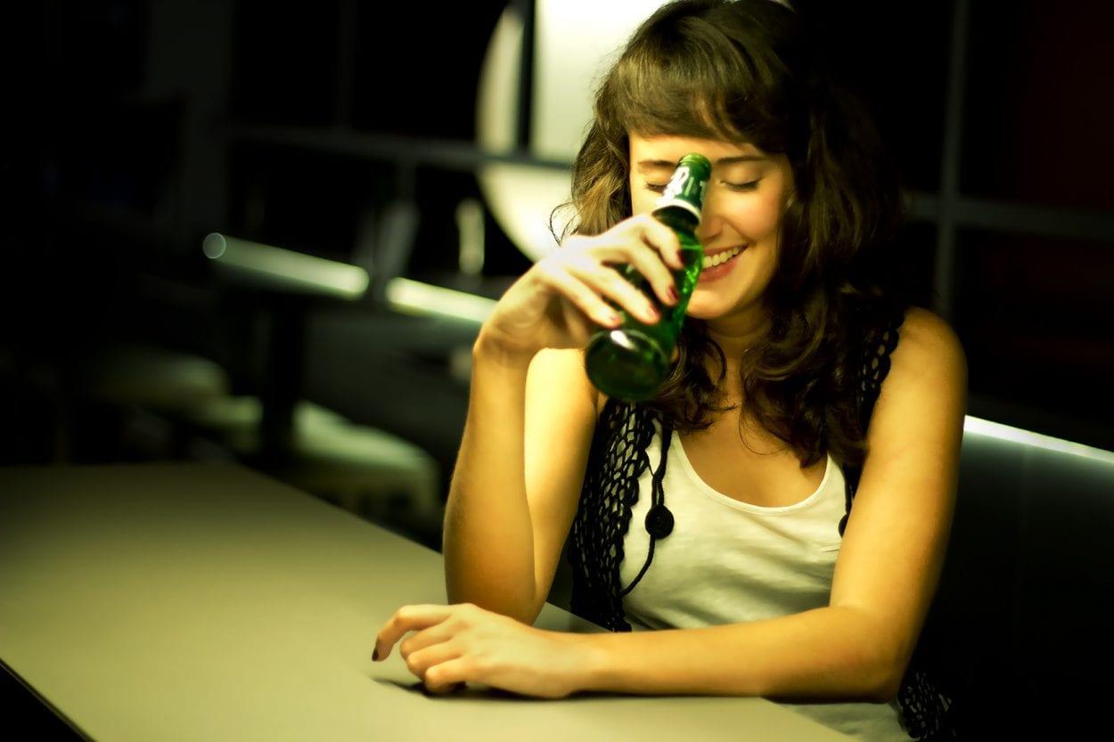Fotografía de retrato a Rosana en el pub La LLuna