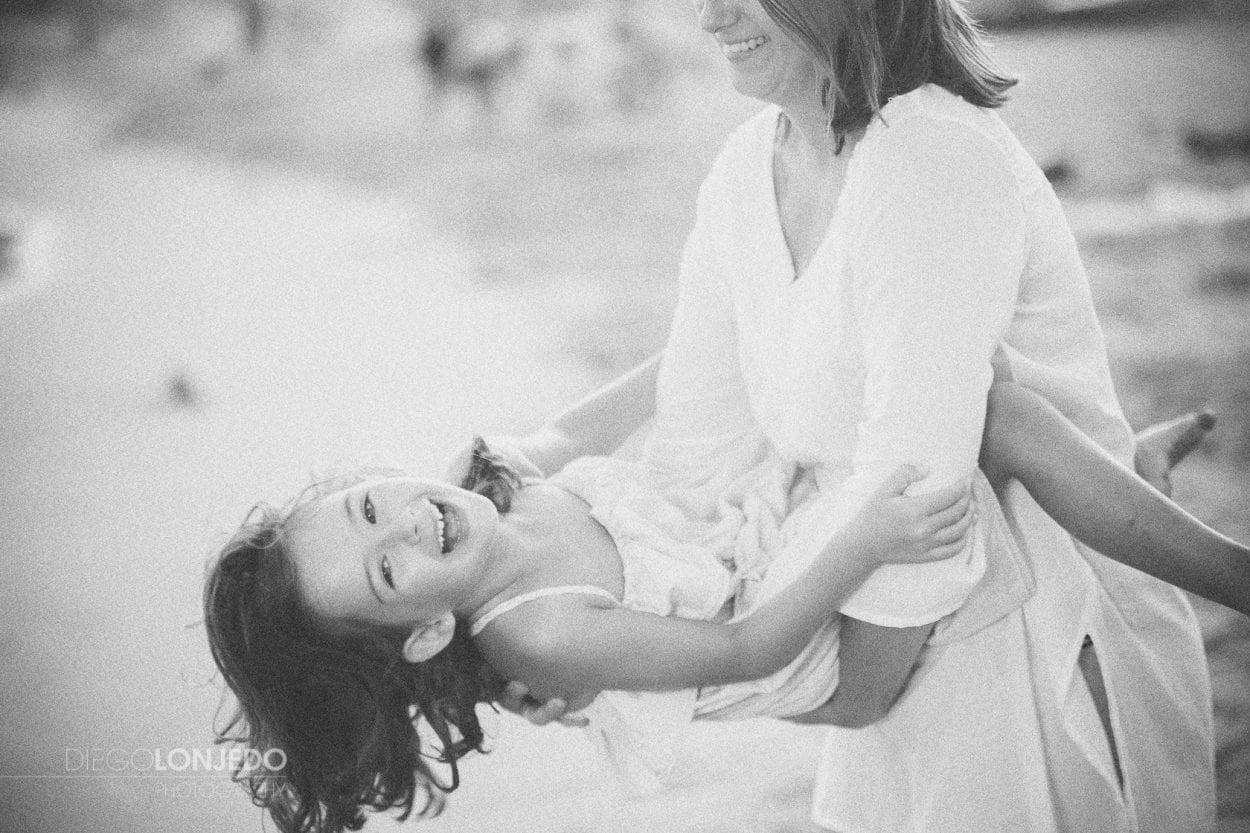 Retrato de Sara junto a su mamá